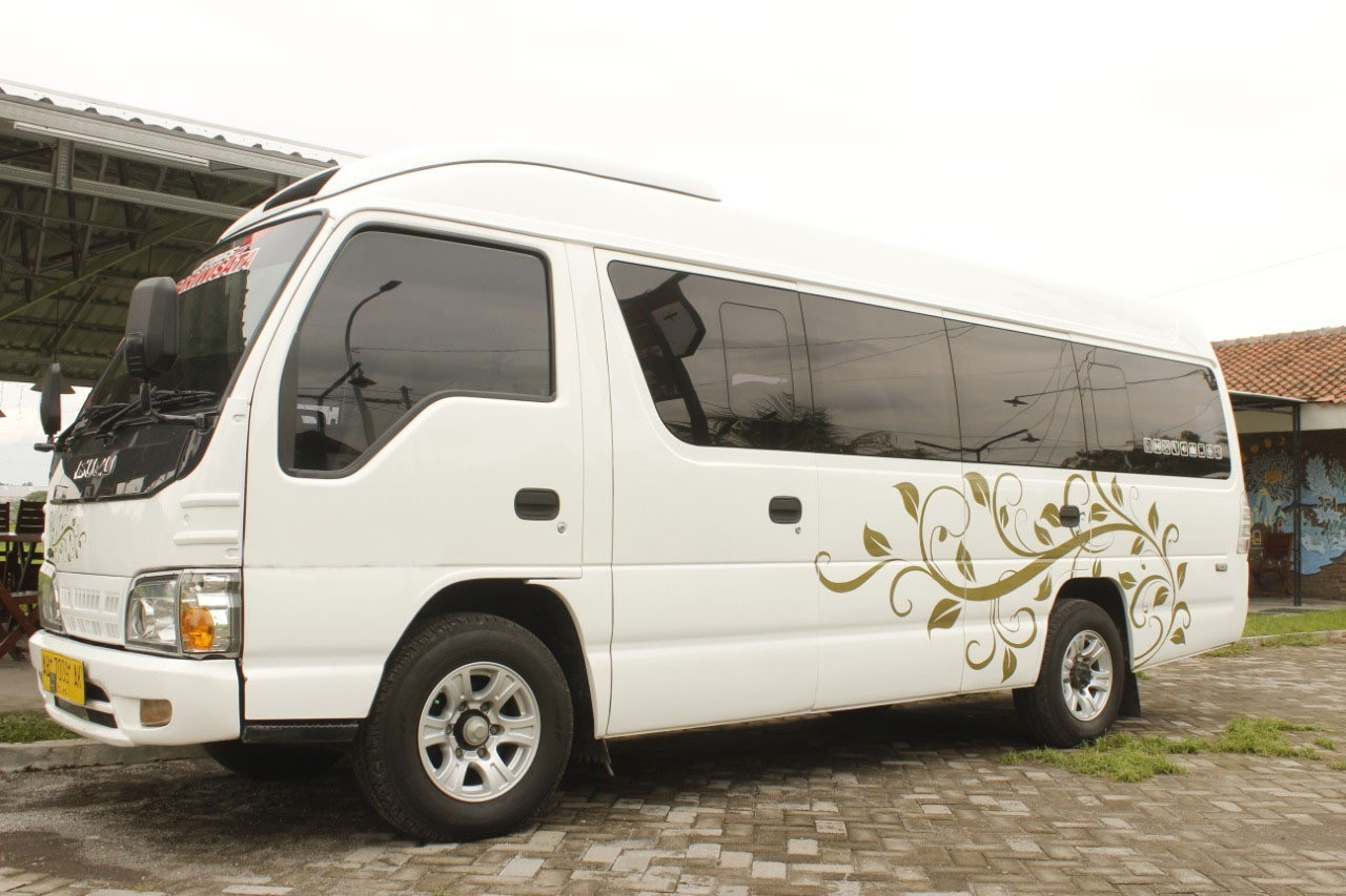 busje huren Indonesië Elf Long